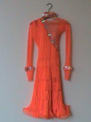 Продам платья для бальных танцев
