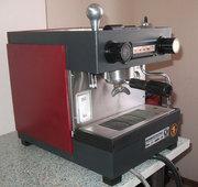 Профессиональная кофемашина (кофеварка) Rancilio.