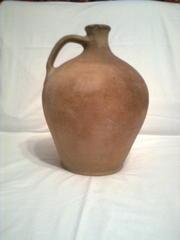 глиняный винный кувшин