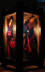 Светильник ручной работы с витражной росписью