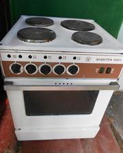 Продам электро плиту бу