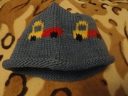 Продам 3 шапочки до полугодика весна/осень.