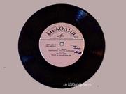 Пластинки»Музыка Адамо  1968г. «Мелодия» Поёт Адамо Маленькое счасть