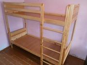 Продам двухярусную деревянную кровать.
