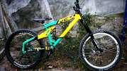 Продам велосипед yeti dh 9
